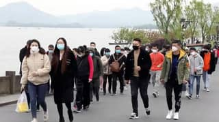62,200 People Visit Popular Lake In China In One Day