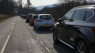 Police Are Turning People In Cars Away From The Peak District