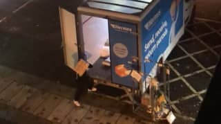 Man Films 'Angry' Hermes Driver Lashing Parcels Into Van