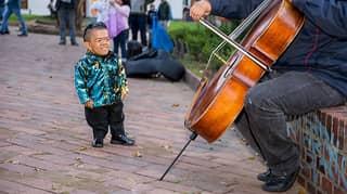 Former World's Shortest Man Regains His Title