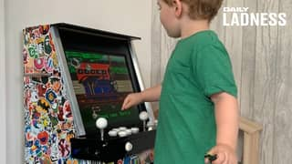 ​Dad Builds Incredible DIY Arcade Machine For His Son So He Can Play 'Old School Games'