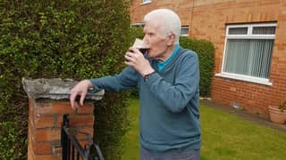90-Year-Old Man Has Pint Of Guinness Delivered Straight To His Front Door