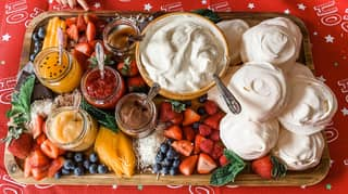 Aussies Are Doing Pavlova Boards This Christmas