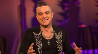Robbie Williams Admits To S****ing In His Own Hand Last Year