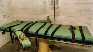 Death Row Inmate In 'Great Pain' After Execution Goes Wrong