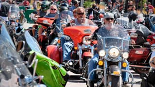 Quarter Of A Million Bikers Defy Coronavirus Fears And Gather For US Rally