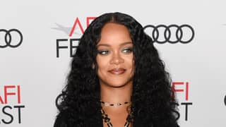 Fans Call For Rihanna To Replace The Queen As Barbados' Head Of State