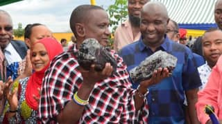 African Miner Becomes Instant Millionaire After Finding Biggest Tanzanite Stones Ever