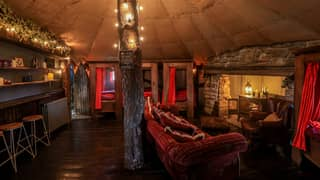 Harry Potter Fans Can Stay In A Cottage Inspired By Gryffindor Dorm Room