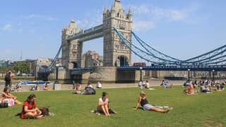 Warm Weather To Hit The UK Next Week, Experts Predict
