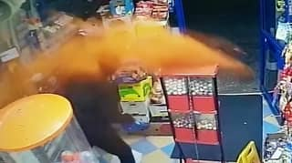 Hero Shopkeeper Sends Knife-Wielding Robber Fleeing After Throwing Chilli Powder In His Face