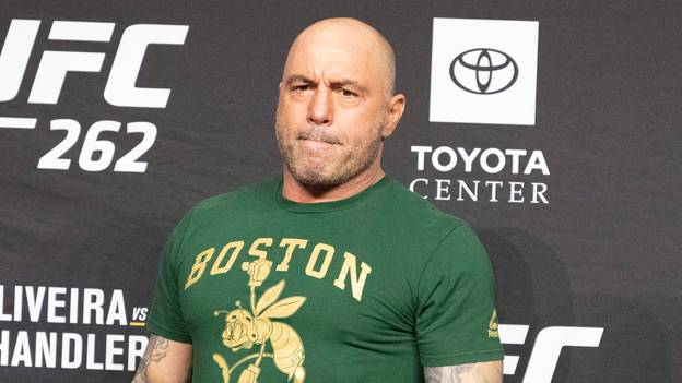 Someone Paid A Skywriter To Draw 'Joe Rogan Is Literally 5 Foot 3' Above LA