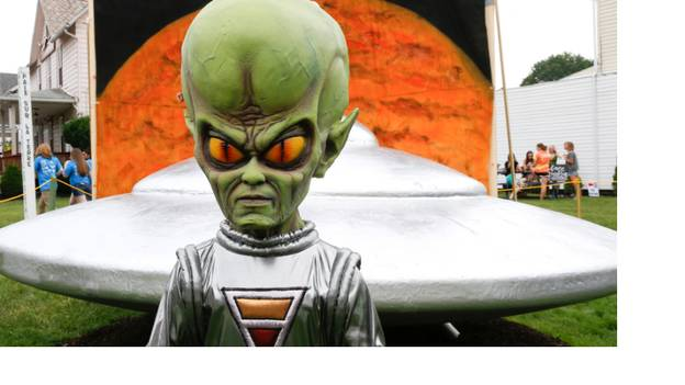 Turns Out That Alien Viruses From Space Could Kill You And The Ones You Love