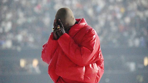 Kanye West Broke Down On Stage During Song About 'Losing His Family'