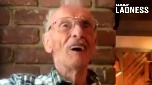 Heartwarming Moment Pub Landlord Tells OAP Public Has Gifted Him £700 Bar Tab