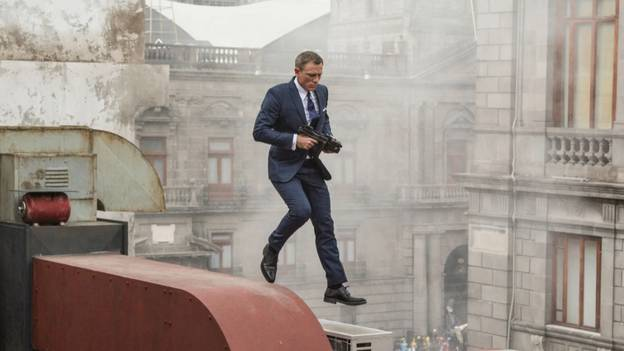 Daniel Craig Opens Up About Agony Of Shooting Scene With Broken Leg