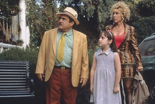 Danny DeVito with Mara Wilson (Matilda Wormwood) and Rhea Perlman as Zinnia Wormwood. Credit: Jersey Films/TriStar Pictures