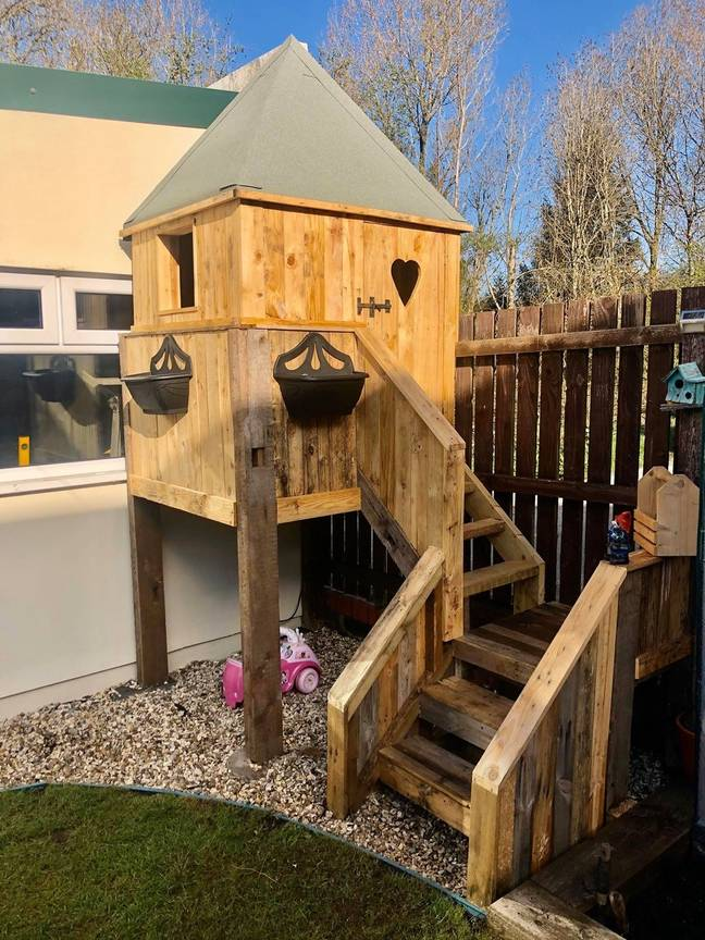 Tom spent just £10 building the impressive treehouse for his daughter. Credit: latestdeals.co.uk