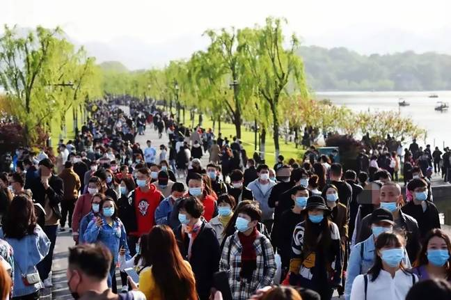 More than 60,000 tourists visited West Lake on Sunday (5 April). Credit: AsiaWire