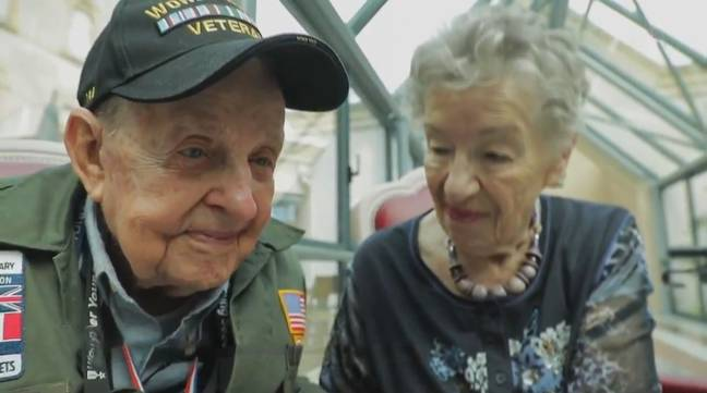 The pair were reunited after 75 years apart. Credit: 20 heures le journal/France 2