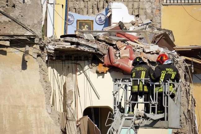 Building collapses near Naples