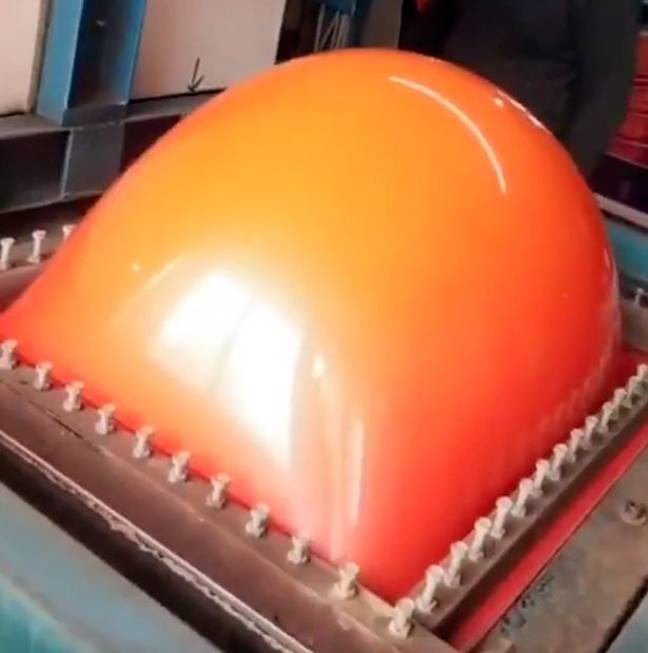 Vacuum forming or witchcraft? Credit: Twitter/@Kinglrg_