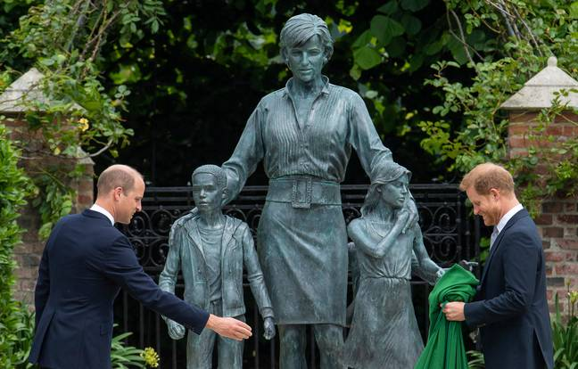 Prince William and Prince Harry unveiling the statue. Credit: PA