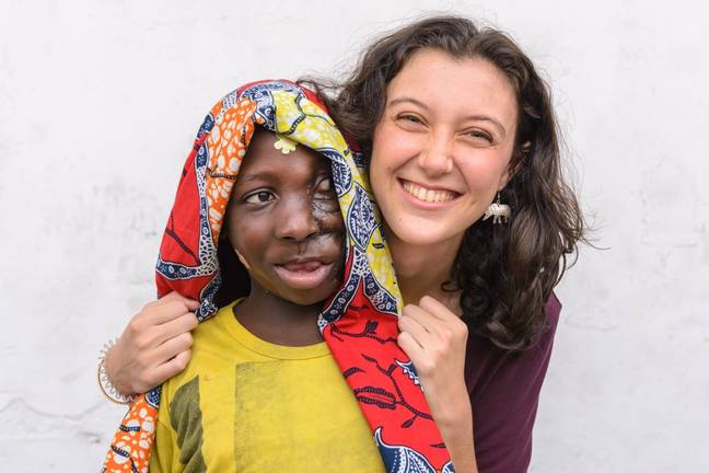 Kaltoumi with volunteer Carys Parker. Credit: SWNS