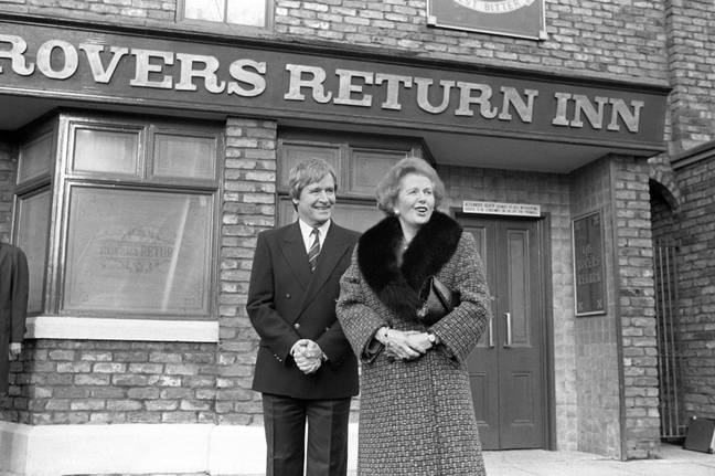 Roache with former prime minister Margaret Thatcher outside the Rovers Return in 1990. Credit: PA