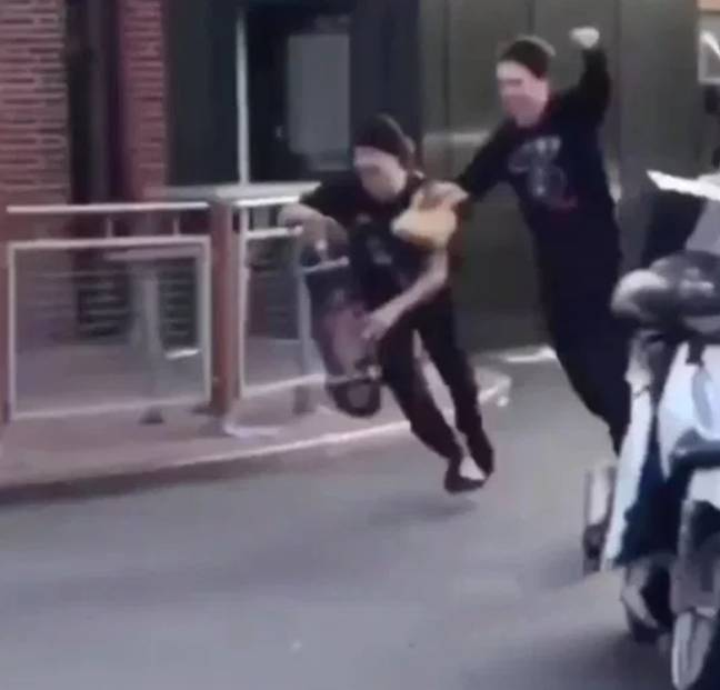 The thieves make their getaway. Credit: News Dog Media