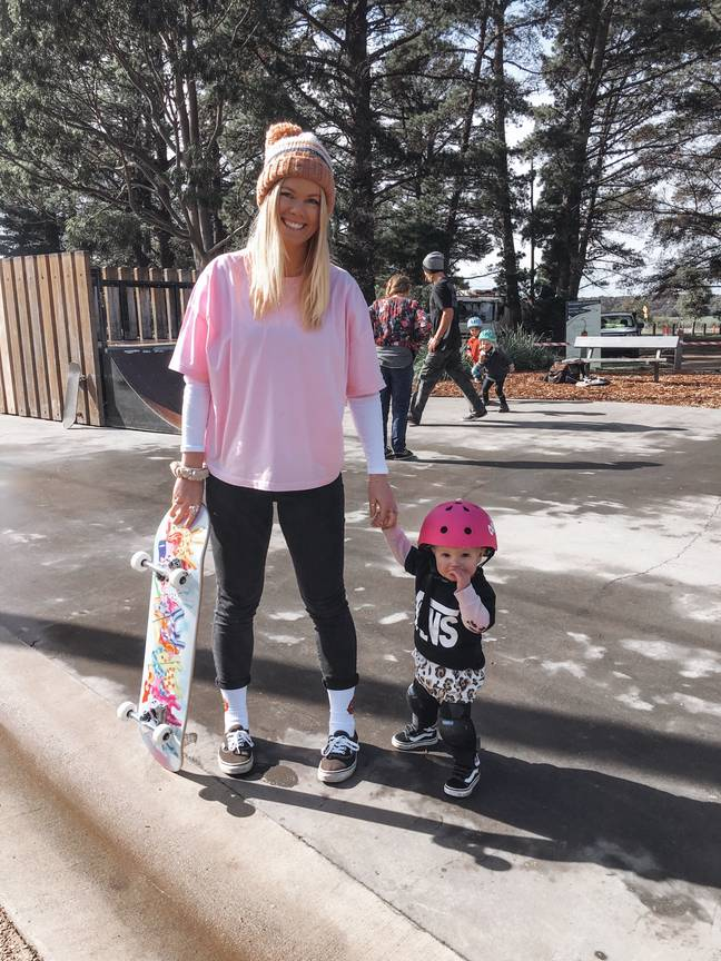 Coco with mum Molly. Credit: Instagram/@cocoskatergirl