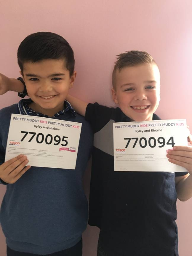 Rhome Pearce and Ryley Bahara have signed up to do the kids Pretty Muddy for Cancer Research. Credit: LADbible Exclusive