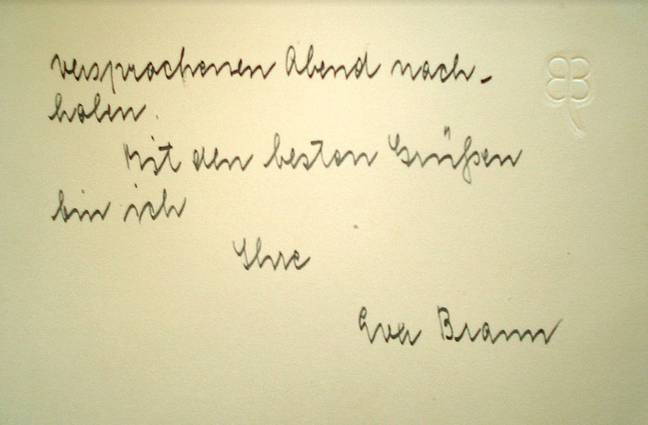 A note from Eva Braun. Credit: Pen news
