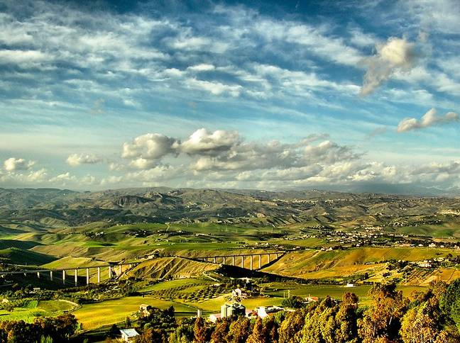 Rural Sicily is also gorgeous. Credit: Giampaolo Macorig (Creative Commons)