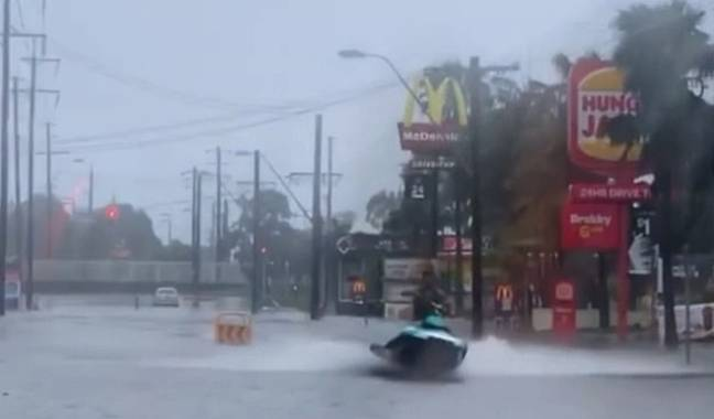 How do YOU feel about urban jet skiing? Credit: Reddit/AlexMontgom