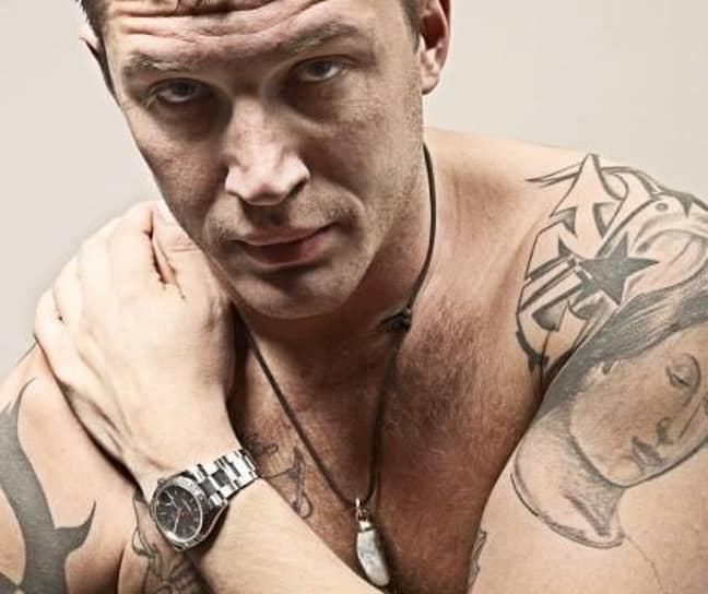 Tom Hardy's Star Tattoo (Credit: tom-hardy.org)