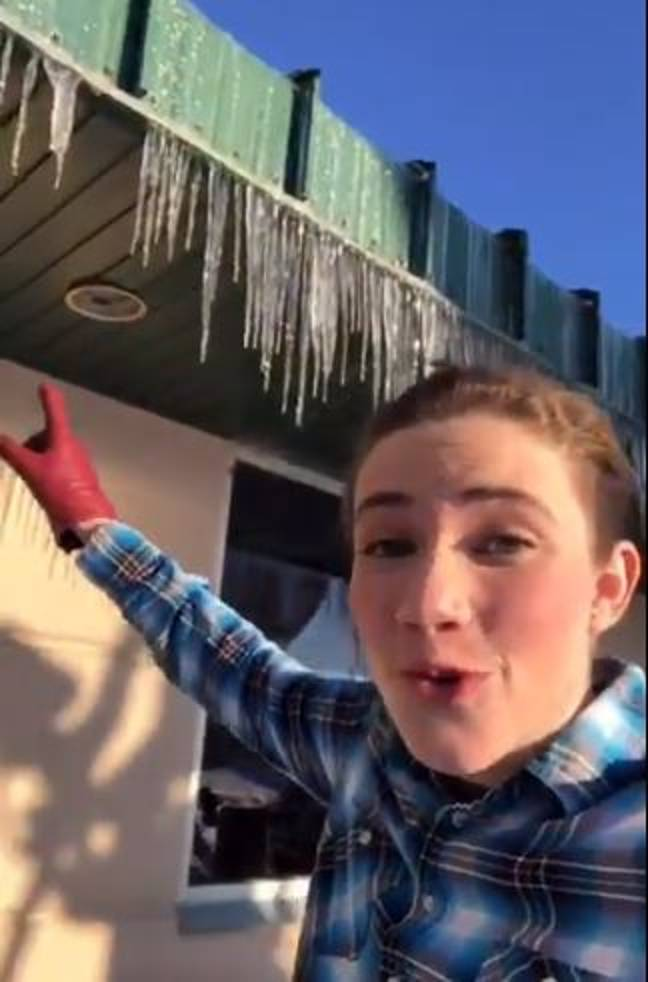 Katie Nickolaou has explained why you shouldn't eat icicles. Credit: Twitter/Katie Nickolaou
