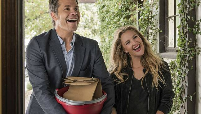 Timothy Olyphant and Drew Barrymore as Joel and Sheila Hammond. Credit: Netflix