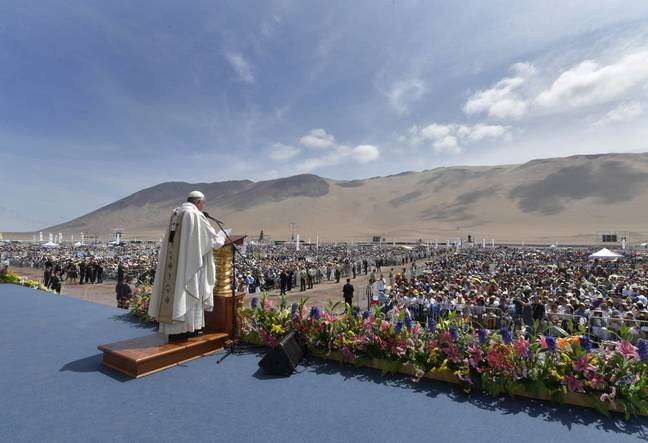 Pope Francis gives mass in Chile. Credit: PA