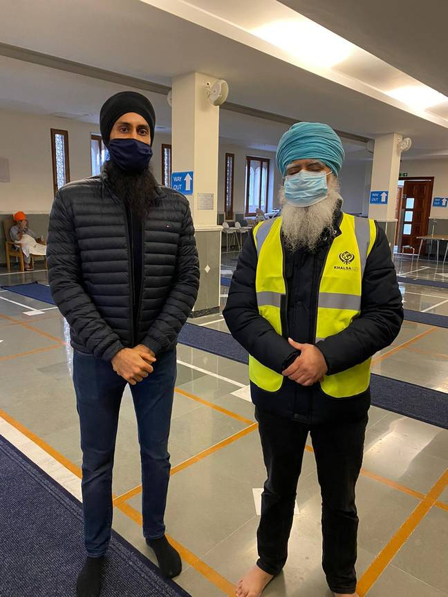 Gurdwara President Manpreet Singh Dhaliwal, and Ravi Singh, founder and CEO of Khalsa Aid. Credit: Guru Nanak Darbar Gurdwara Gravesend