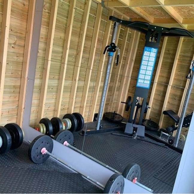 The home gym was built for £900. Credit: Instagram/@the.white.house.sparkles