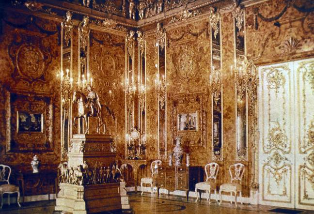 The Amber Room in 1917. Credit: Shutterstock