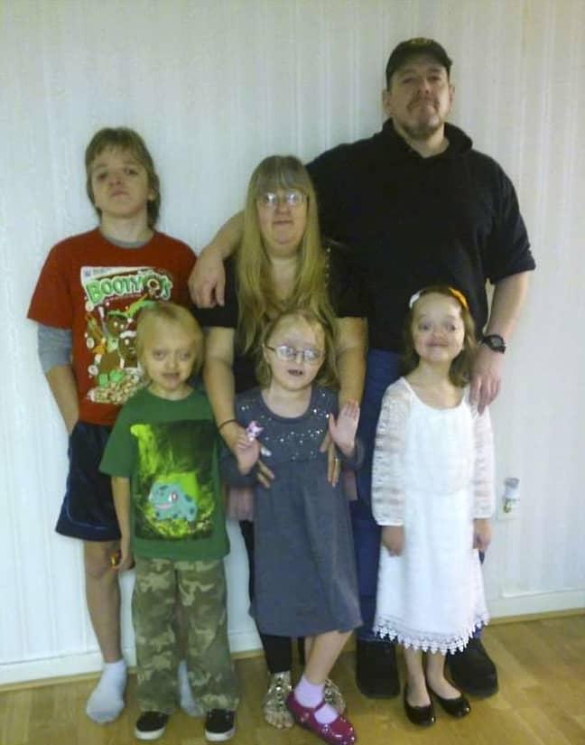 (Top-bottom) Jayden, Bobbie-Jo, Frederick and triplets Taylor, Kaydence and Kaylin. Credit: Caters News Agency
