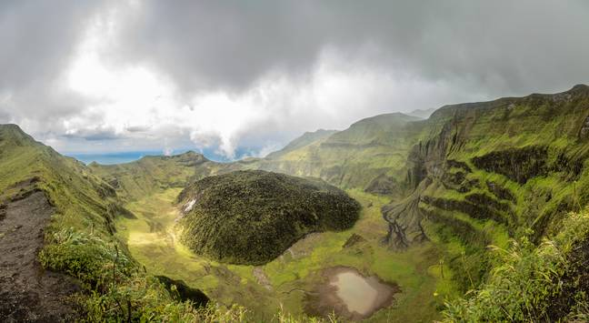 The crater of La Soufriere in St Vincent and the Grenadines. Credit: Shutterstock/Vadim Nefedoff