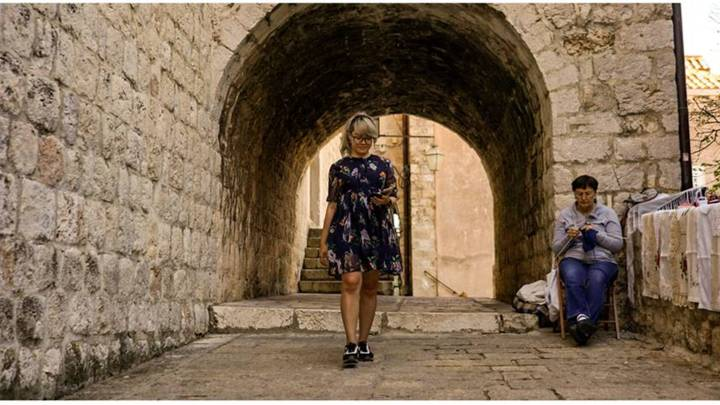 Instagram Travel Blogger Recreates Iconic Scenes From Game Of Thrones