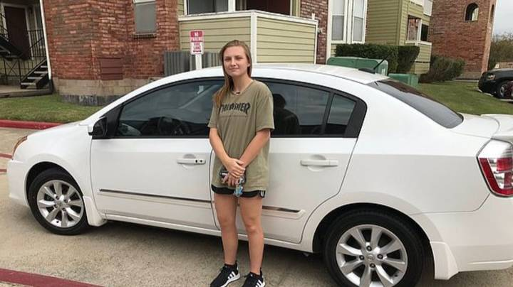 Couple Buy Denny's Waitress A Car To Stop Her Walking 14 Miles To Work