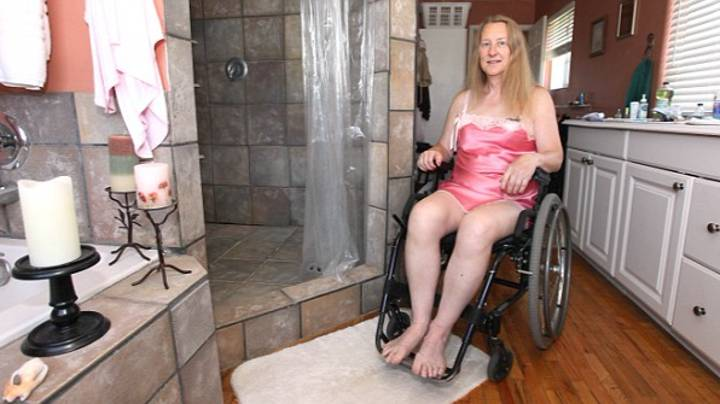 Woman Who Can Walk Uses Wheelchair And Wants Doctor To Paralyse Her From Waist Down