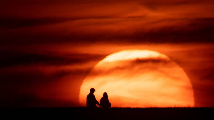 Summers In Northern Hemisphere Could Last Half A Year By 2100, Scientists Say