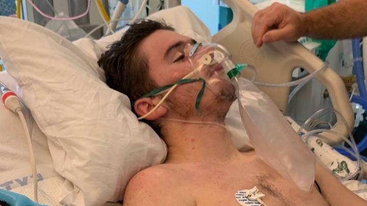 17-Year-Old Spends 18 Days In Hospital With Lungs Blocked From Vaping