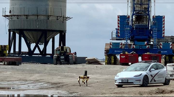 ​Robot Dog Inspecting SpaceX Wreckage Reminding People Of Black Mirror Episode